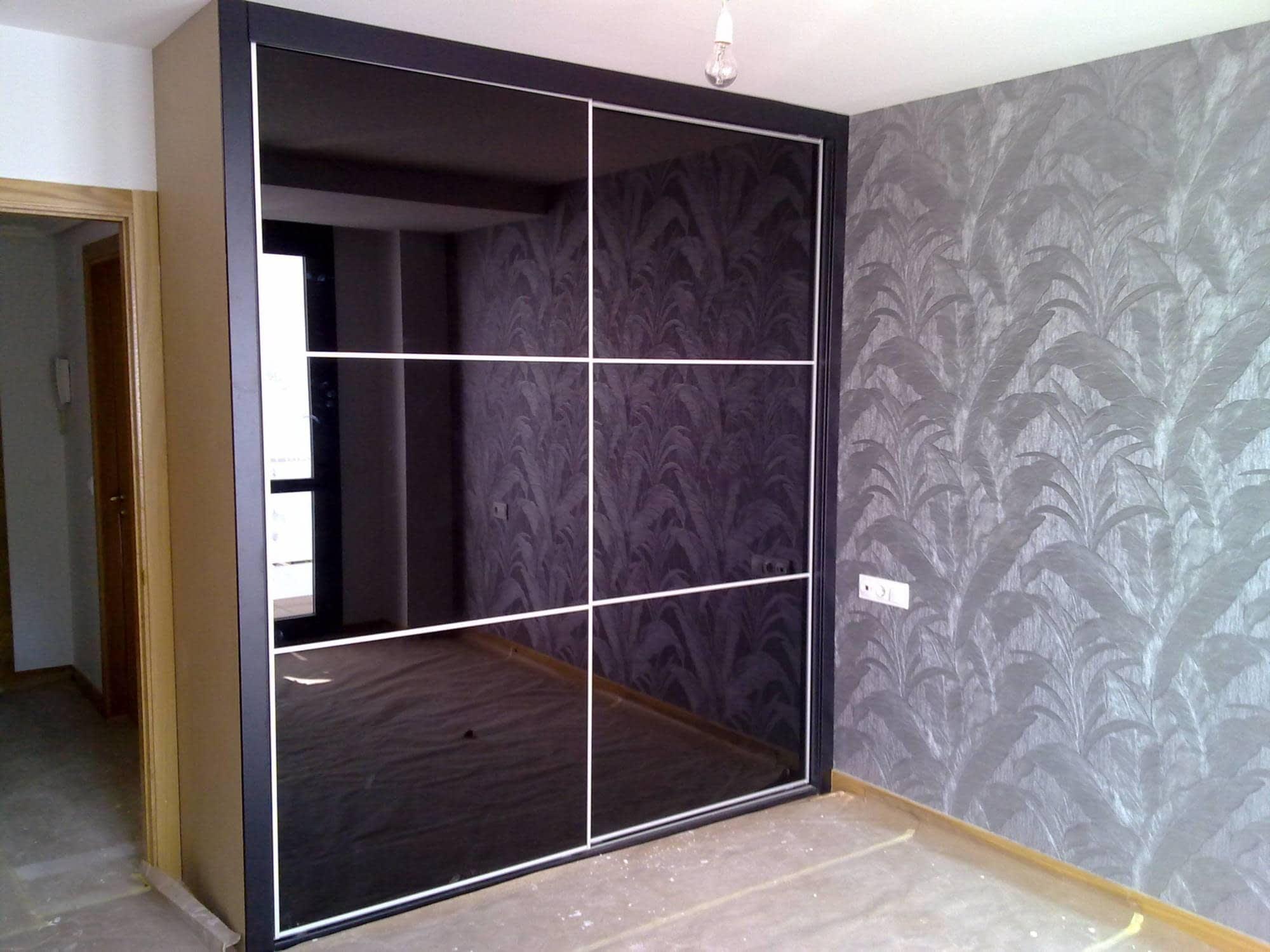 Armario Puertas Correderas Con Cristal Negro Brillo Armarios  ~ Puerta Corredera Cristal Exterior