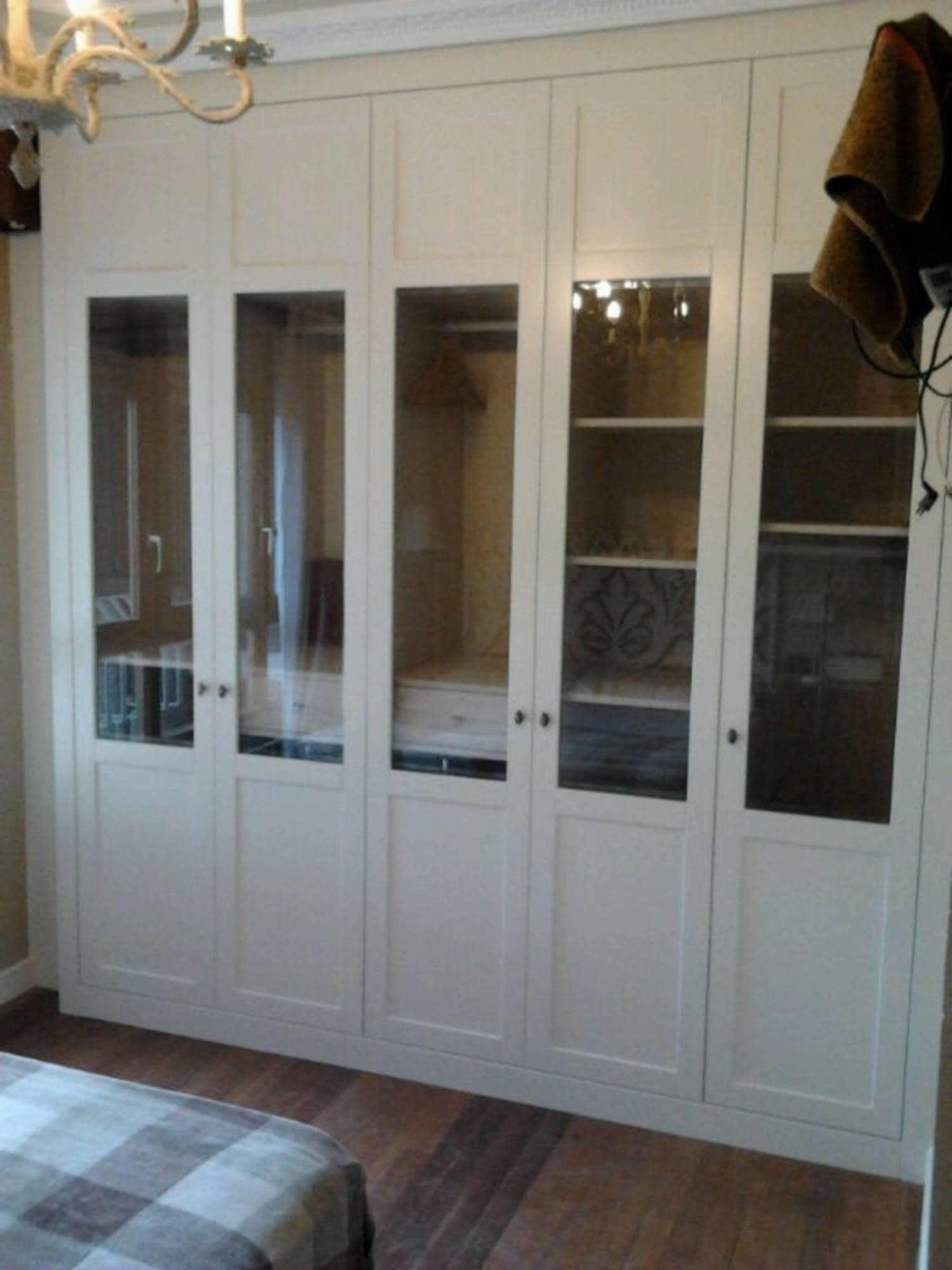 Cortina para armario mt84 ivango - Armarios con puertas de cristal ...