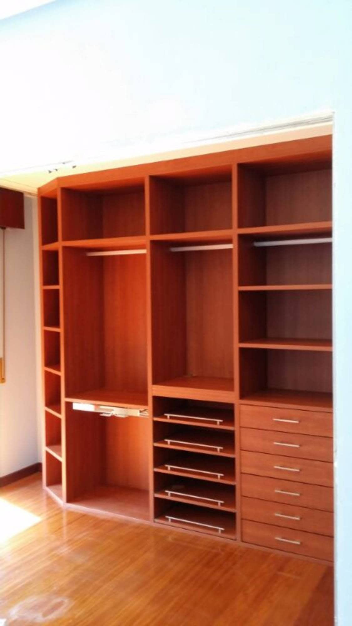 Interior Armario A Medida Con Estanter A Baldas Colgadores Y  # Muebles Bizkaia