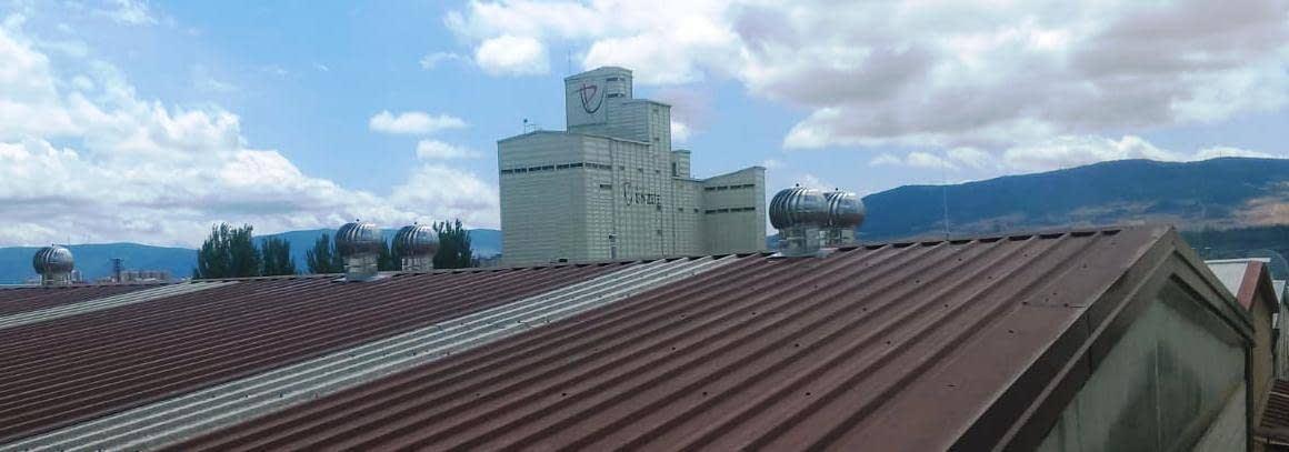 Extractores eólicos giratorios Turbovent para naves industriales, almacenes..