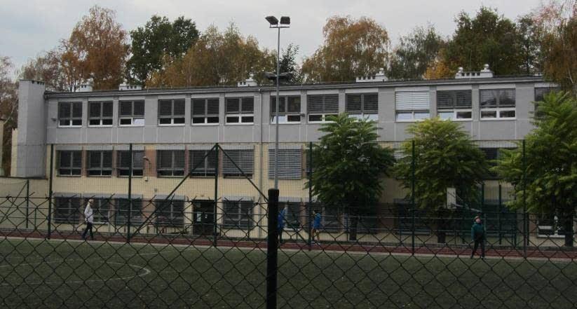 Extractores eolicos Turbovent  para ventilaciones de colegios, hoteles