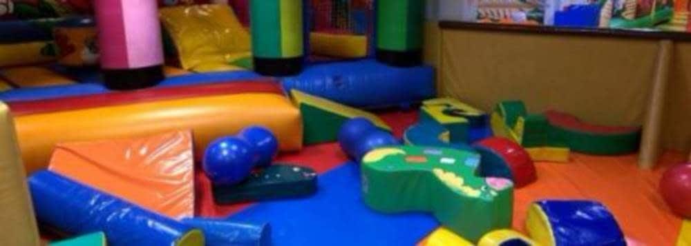 Zona Menores De 4 Anos Parque Infantil Indiana Bill Zaragoza
